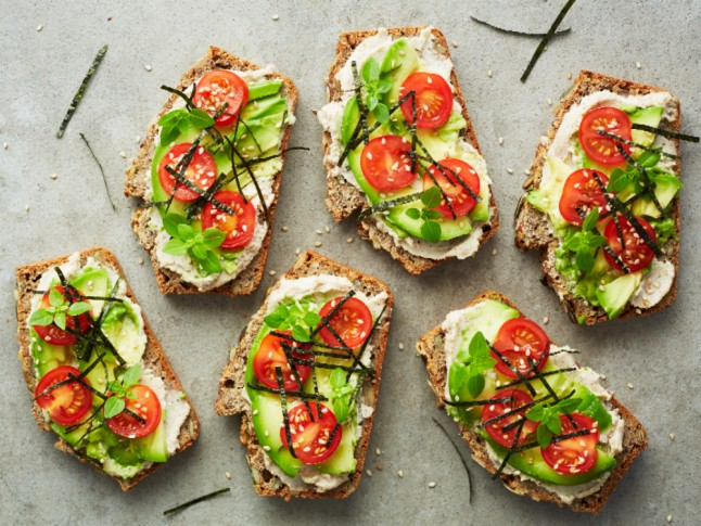 Super Foods | Avocado, nori & nut cream toasts